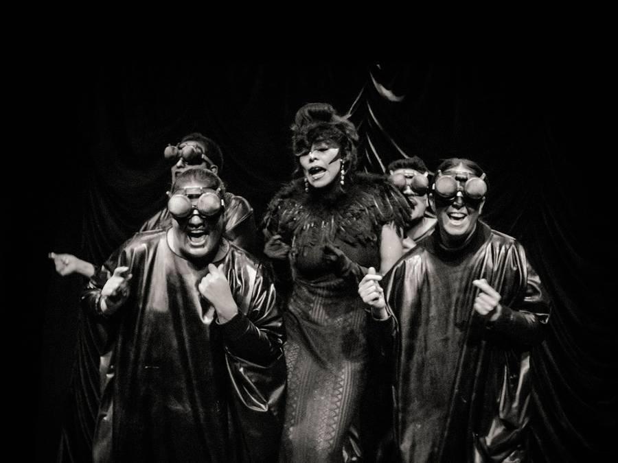 Necrópolis Cabaret. Hay muertos todo el año